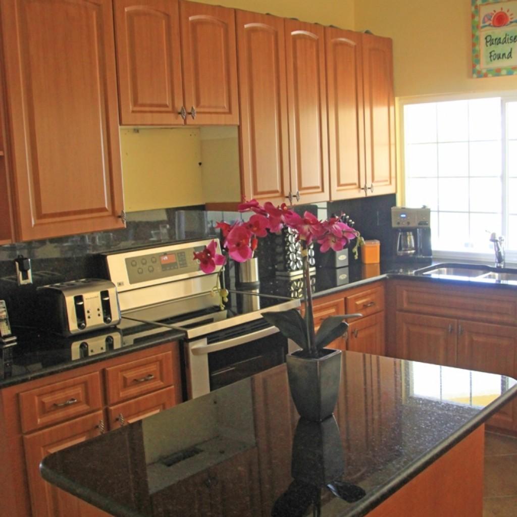 Küche mit extra Block für Ablage
